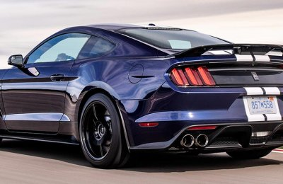 Airfield Speedtest Ford Mustang Shelby GT350