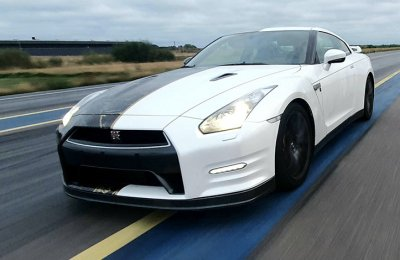 Airfield Speedtest med Nissan GT-R